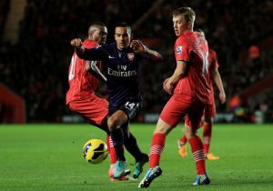 Theo+Walcott+Southampton+v+Arsenal+Premier+NHBcITGX-unl