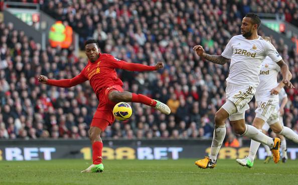 Sur l'exercice 2013/2014, Sturridge c'est 21 buts et 7 passes décisives en Premier League (crédits photo: zimbio.com)