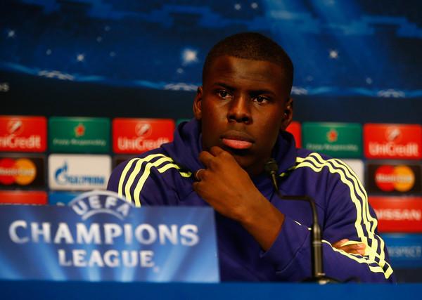 """Zouma en conférence de presse avec Loïc Rémy et José Mourinho, """"mind game"""" ?"""