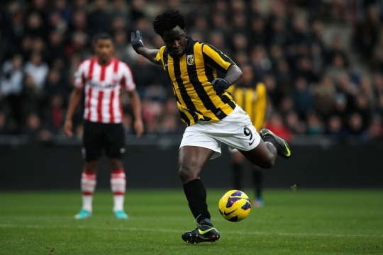 EINDHOVEN, NETHERLANDS - NOVEMBER 25:  Wilfried Bony of Vitesse shoots on goal during the Eredivisie match between PSV Eindhoven and Vitesse Arnhem at Philips Stadion on November 25, 2012 in Eindhoven, Netherlands.  (Photo by Dean Mouhtaropoulos/Getty Images)